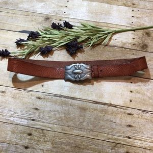 AEO Women's Leather Belt With Decorative Buckle